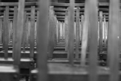 2012-07-19_Toulouse_church_empty_chairs__bw___1_von_1_