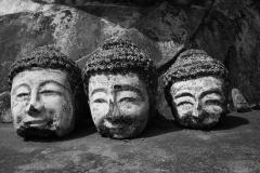 2014-02-15_Bago_Buddhakoepfe__bw_