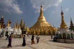 2014.02.13_Yangon_-_Shwedagon_43